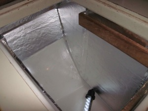 Insulated icebox